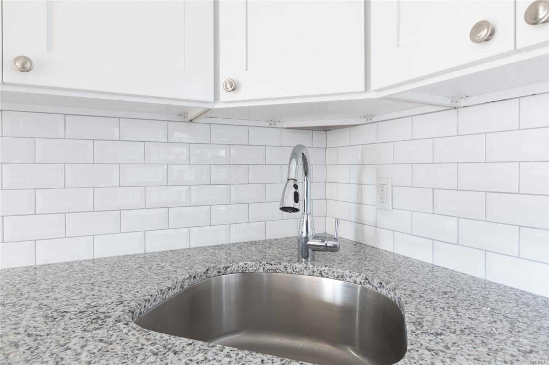 Undermount sink & Granite