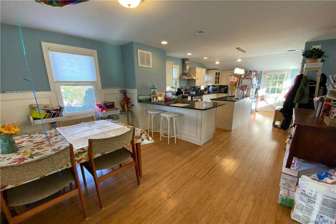 76 Hewlett Ave, Point Lookout, New York 11569, 3 Bedrooms Bedrooms, ,1 BathroomBathrooms,Residential Lease,For Rent,Hewlett Ave,3288655