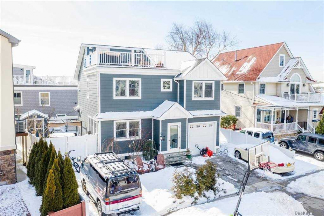Aerial with Front roof Deck