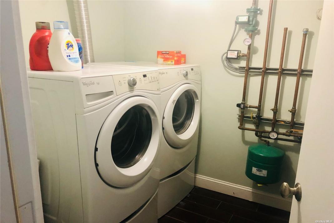 Shared Washer & Dryer